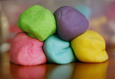 Using-Play-Dough-to-get-Kids-Talking-In-Our-Hands-Blog
